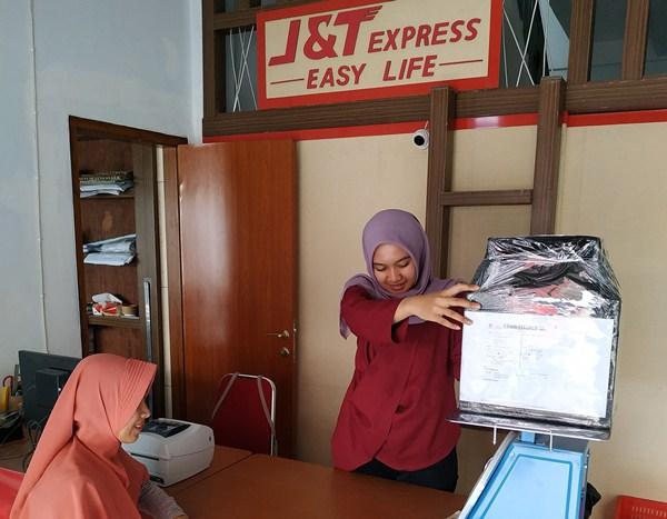 J & T Express Beri Pelayanan Mudah dan Cepat