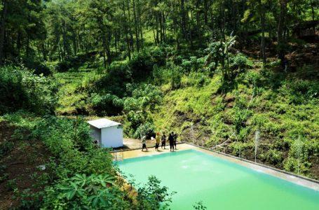 Segarnya Berenang di Kolam Tengah Hutan Bukit Comal Kebumen