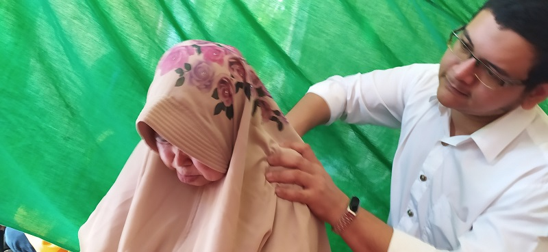 Tim RSI Banjarnegara Baksos Diantara Lautan Muslim, Terapi Akupuntur dan Fashdu