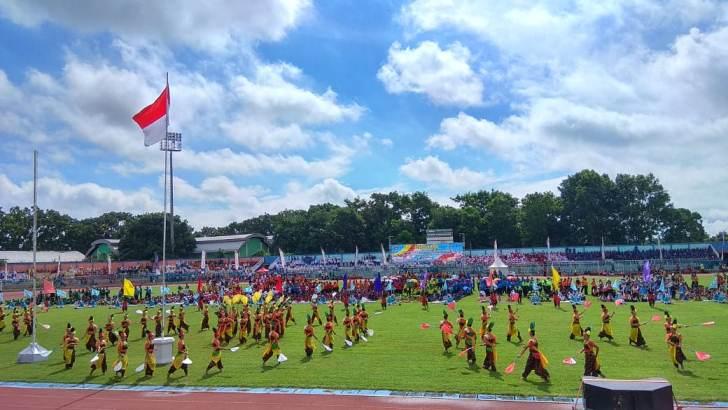 Tarian Kolosal Bergas Wilujeng Meriahkan Pembukaan POPDA 2020 oleh Bupati Cilacap