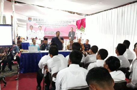 Sekda Cilacap Farid Ma'ruf yang juga Ketua Seleksi CPNS Kabupaten Cilacap formasi 2019 beri arahan kepada peserta sebelum menjalani SKD.
