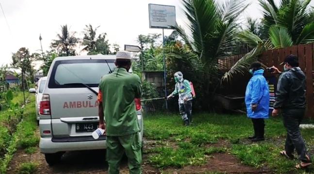 Terima Jenazah dari Jakarta, Pemakaman di Desa KarangnangkaBerlangsung Tertib dan Lancar