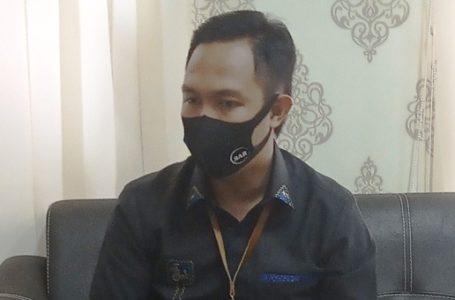 WABUP: Wakil Bupati Cilacap Syamsul Auliya Rachman saat berbincang-bincang di ruang kerjanya. (Wagino)