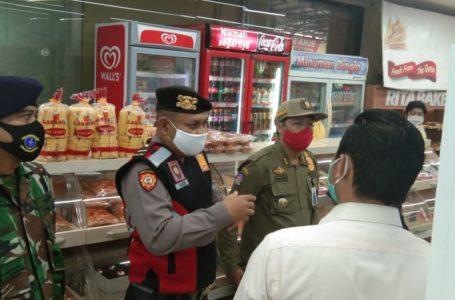 SIDAK : Tim Gugus Tugas Percepatan Penanganan COVID-10 menggelar sidak terhadap sejumlah toko yang dipadati pengunjung menjelang Lebaran. (Istimew)