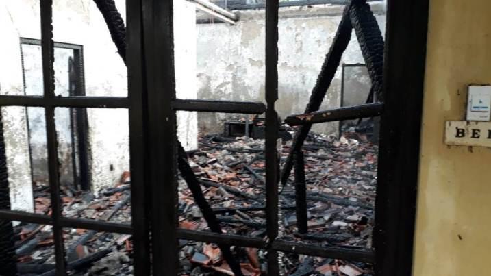 Rumah Terbakar Usai Makan Sahur, Diduga Akibat Korsleting