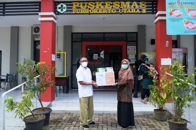 APD Institusi Kesehatan Masih Terbatas, JEC Distribusikan 275.000 Masker Bedah
