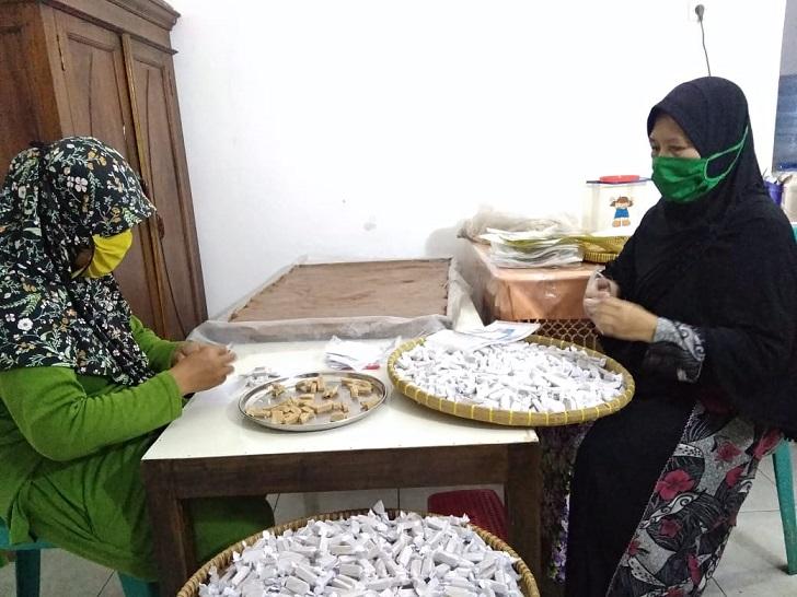 Mengunjungi Produksi Dodol Tape Sirsak Bu Nur, Salah Satu Brand Produk UMKM Banyumas