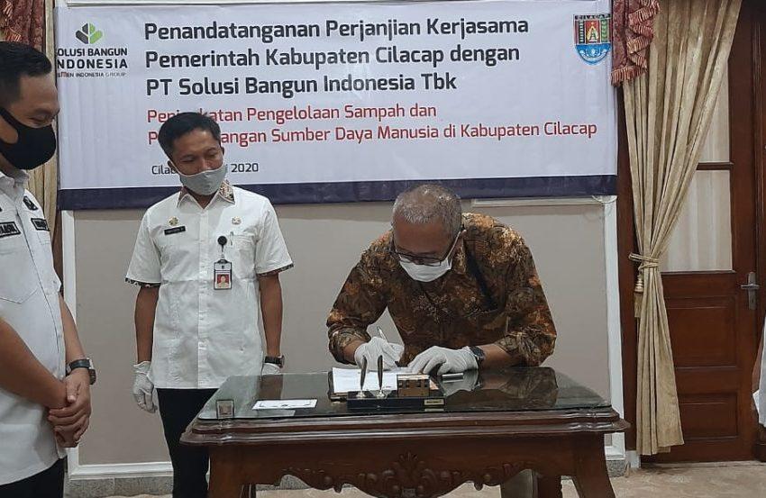 Pemkab Cilacap dan SBI Tandatangani Kerjasama Pengelolaan Sampah dan SDM