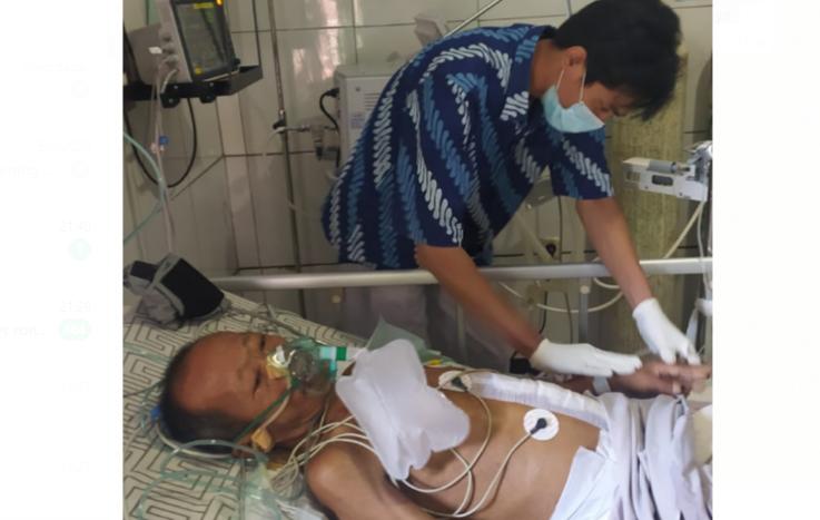 MEMBAIK: Pasien bernama Ihwan kondisinya terusmembaik setelah tumor seberat 13 kg berhasil diangkat oleh Tim Bedah RS Islam Banjarnegara.