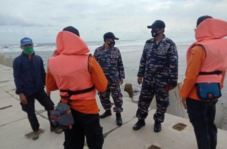 Wisatawan Asal Banyumas Hilang Terseret Ombak di Pantai Jetis