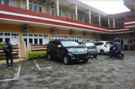 NORMAL BARU : Susana Hotel Grand Liana, Cilacap, pengunjung mulai terlihat pasca penerapan new normal. (Wagino)