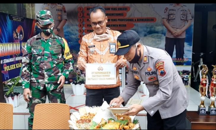 Polsek Karangpucung Terima Kejutan di HUT Bhayangkara ke 74