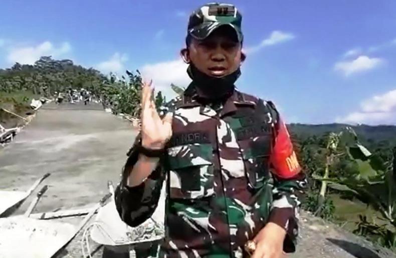 PERKUAT SATGAS : Serma Kowad Iska, Babinsa Pasiraman Kidul, Koramil 15 Pekuncen, Kodim 0701 Banyumas