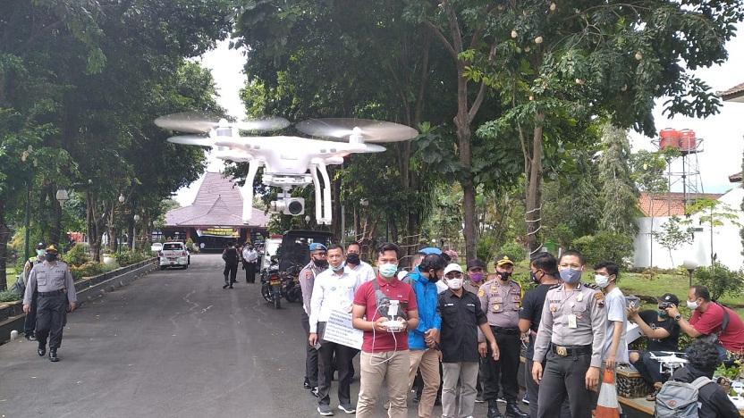 RSIB dan Polres Banjarnegara Membuat Drone Pengecek Suhu Badan