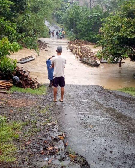 Banjir dan Longsor Landa Lima Desa di Jeruklegi Cilacap