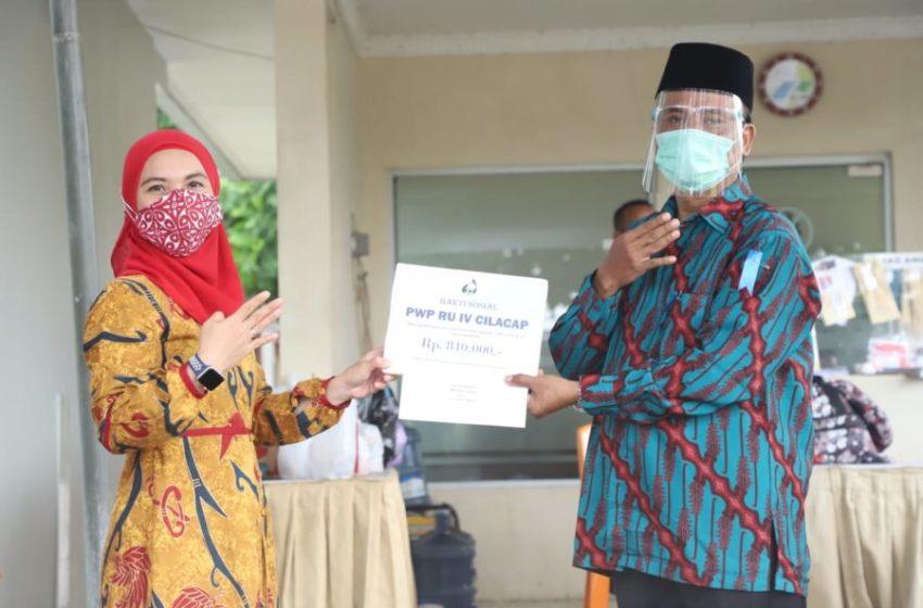 Peduli Pendidikan, PWP Berikan Beasiswa Bagi Anak Dhuafa di Cilacap