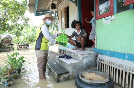 Pertamina Peduli Kembali Salurkan Bantuan di Lokasi Banjir Sidareja