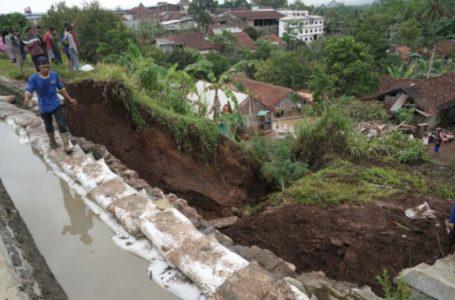 Pemkab Banjarnegara Bantu Lima Kabupaten Terkena Bencana