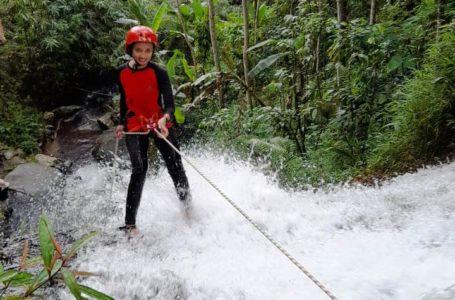 Curug Pitu Banjarnegara Manjakan Adrenalin Kawula Muda