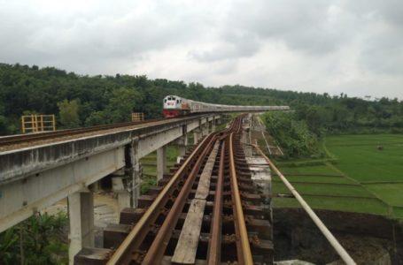 Jalur Aman, Perjalanan Kereta Api Kembali Normal, 6 KA Harus Memutar Lewat Bandung