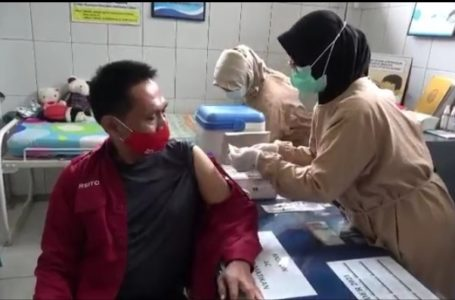 ASN Setda Banyumas Ikuti Vaksinasi Covid-19