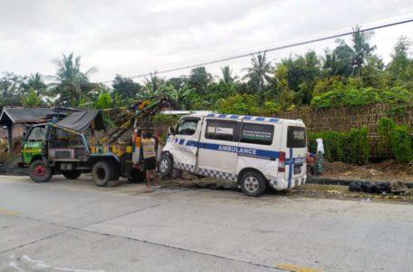 Ambulan Pembawa Jenazah Tabrak Truk di Jalan Kemranjen-Sumpiuh Sopir Meninggal Dunia
