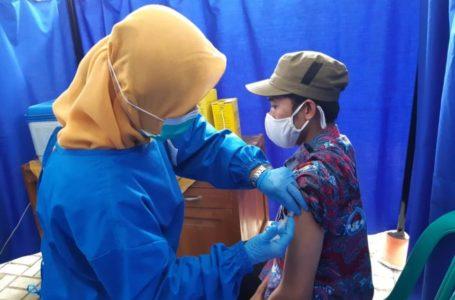 60 Orang Ikuti Vaksinasi Tahap 2 di Puskesmas Cimanggu II
