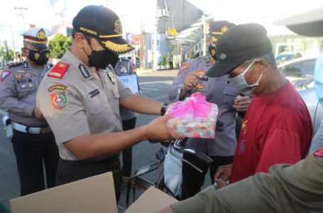 Ramadhan Berkah, Serdik Sespimmen  Bagi-Bagi Takjil dan Nasi Box