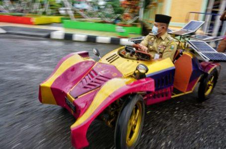 Siswa SMA Muhamadiyah Gombong Buat Mobil Tenaga Surya, Resmi Diluncurkan Bupati Kebumen