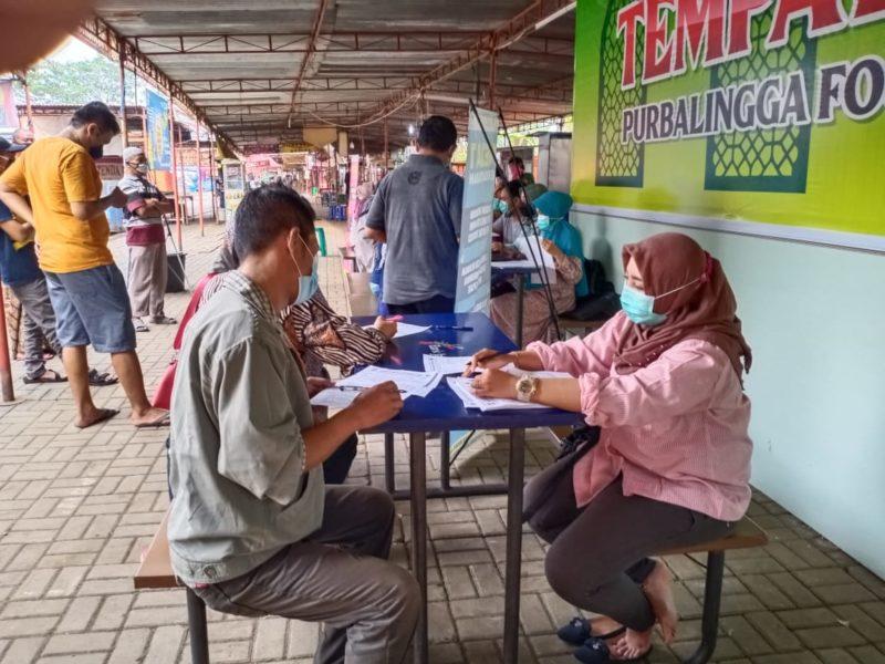Pedagang PFC Purbalingga Divaksin