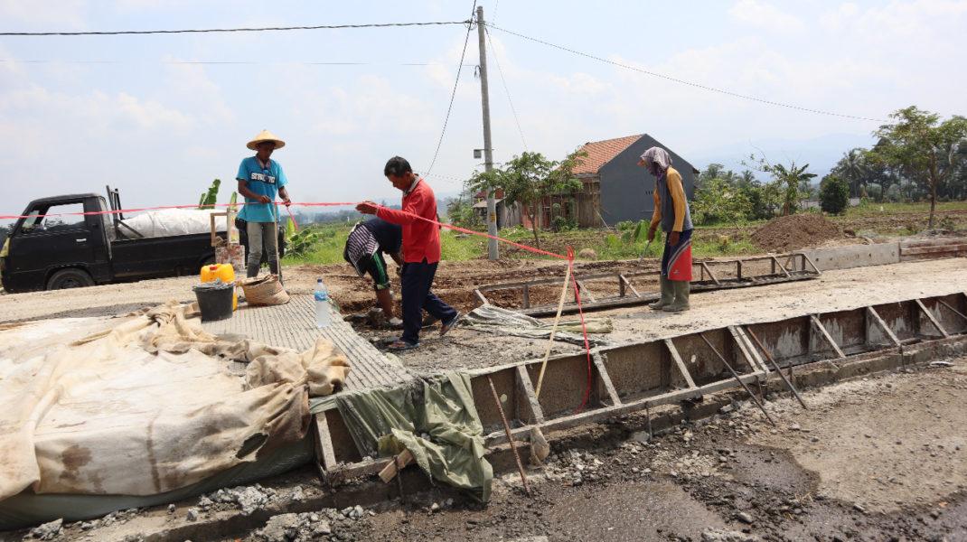 Pekerjaan rigid beton jalan Pucang - Jenggawur