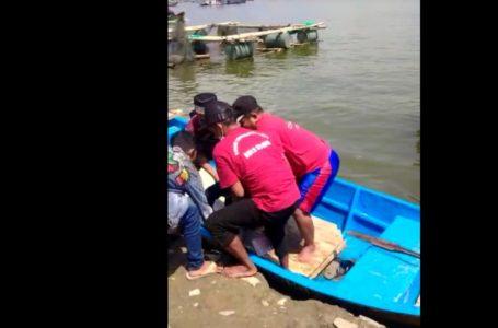 perahu terbalik kedung ombo