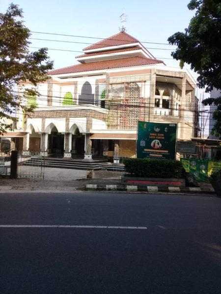 Direnovasi Setelah 35 Tahun, Masjid Nurul Ulum Terlihat Megah