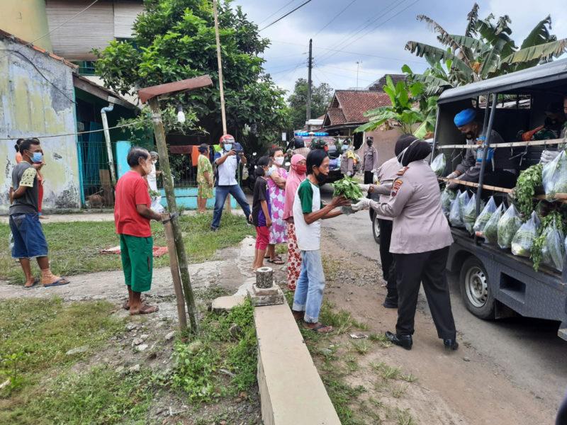 Dandim Purbalingga dan kapolres Salurkan Bantuan ke Pedagang PFC